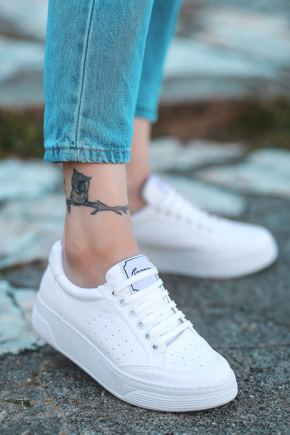 Fuzzy Mat Deri Beyaz Taban Bağcık Detay Beyaz Sneakers