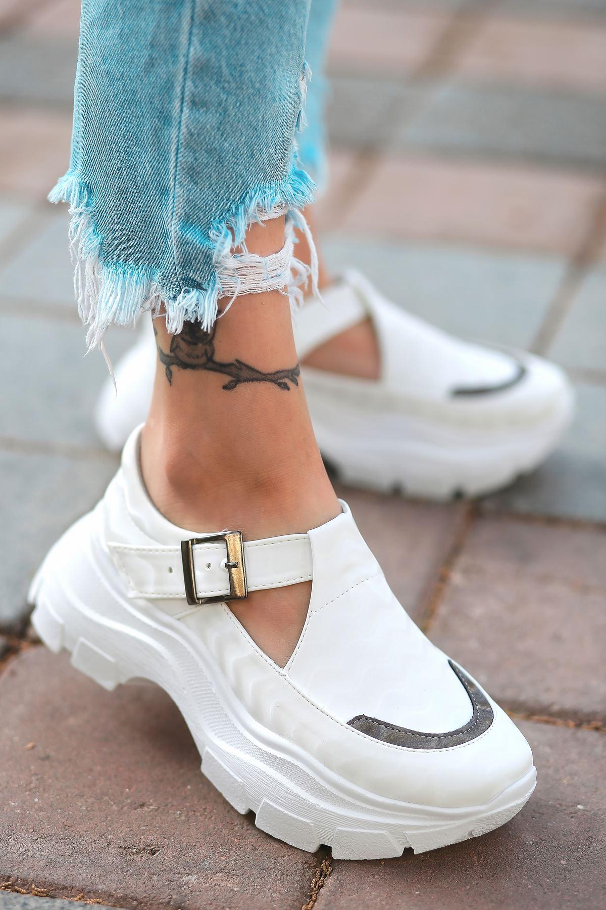 Moscow Dalga Desen Detaylı Beyaz Kadın Ayakkabı