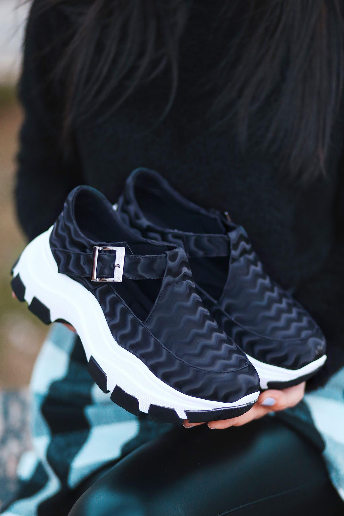 Moscow Dalga Desen Detaylı Siyah Kadın Ayakkabı