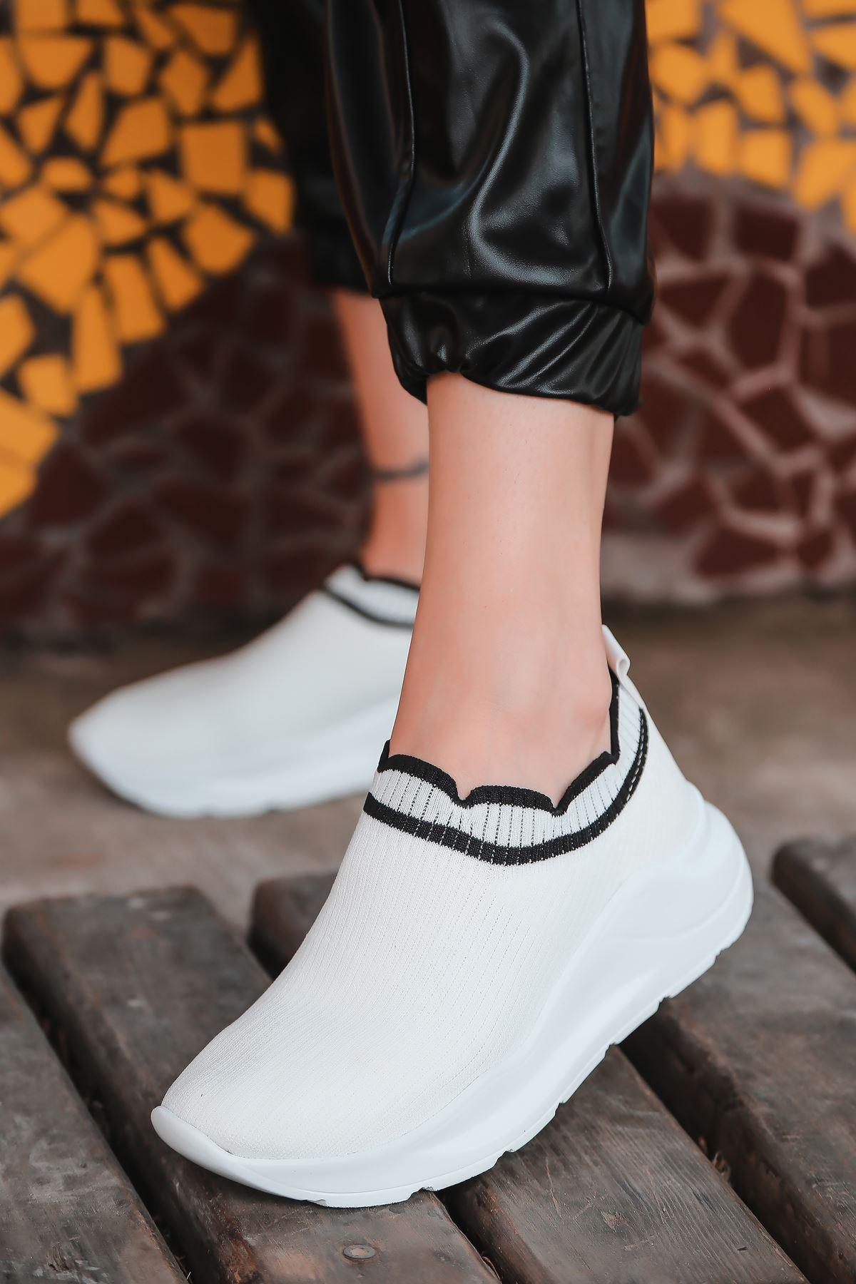 Levin Siyah Şeritli Beyaz Triko Kadın Spor Ayakkabı