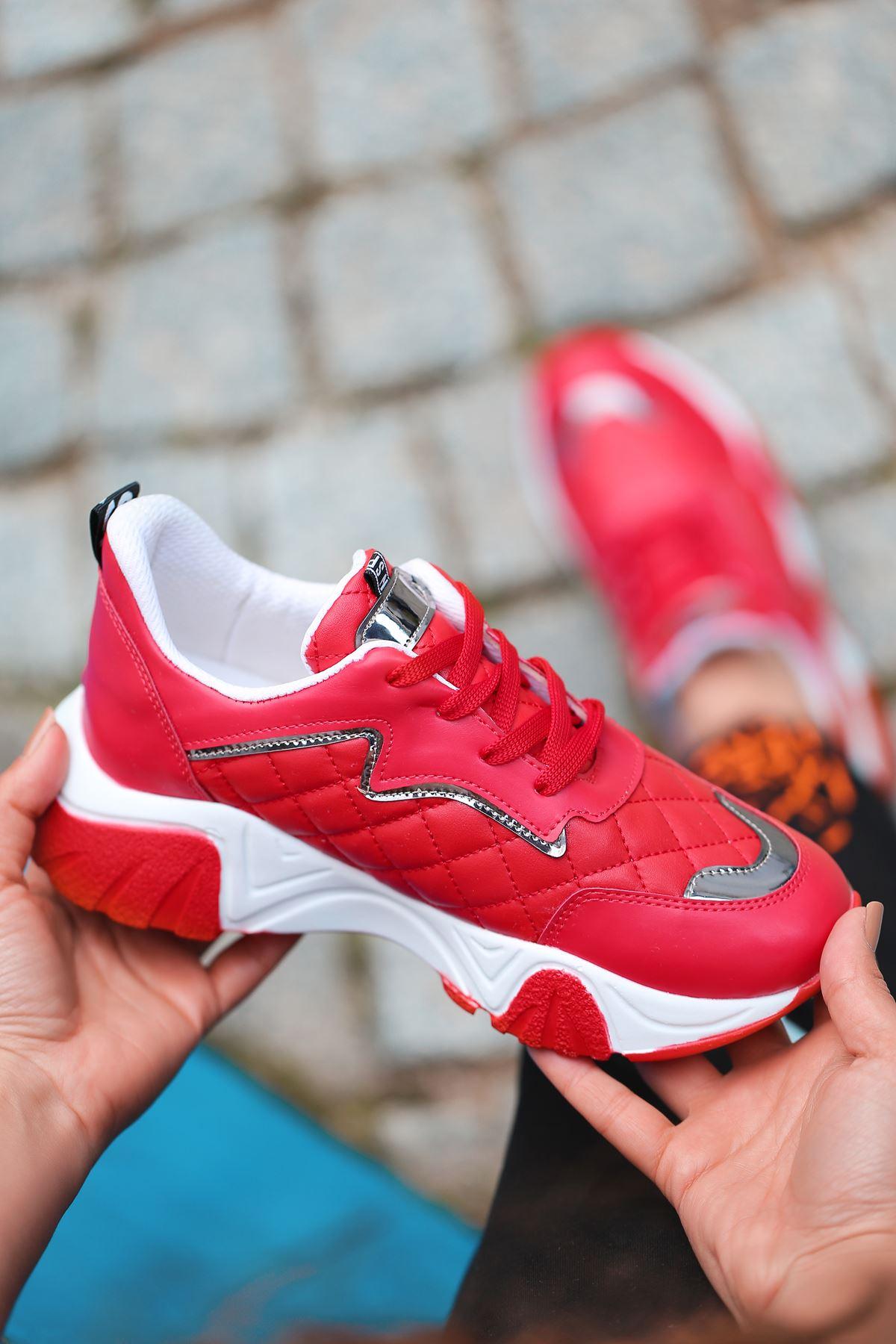 Ada Kapitone Detaylı Bağcıklı Kırmızı Kadın Spor Ayakkabı