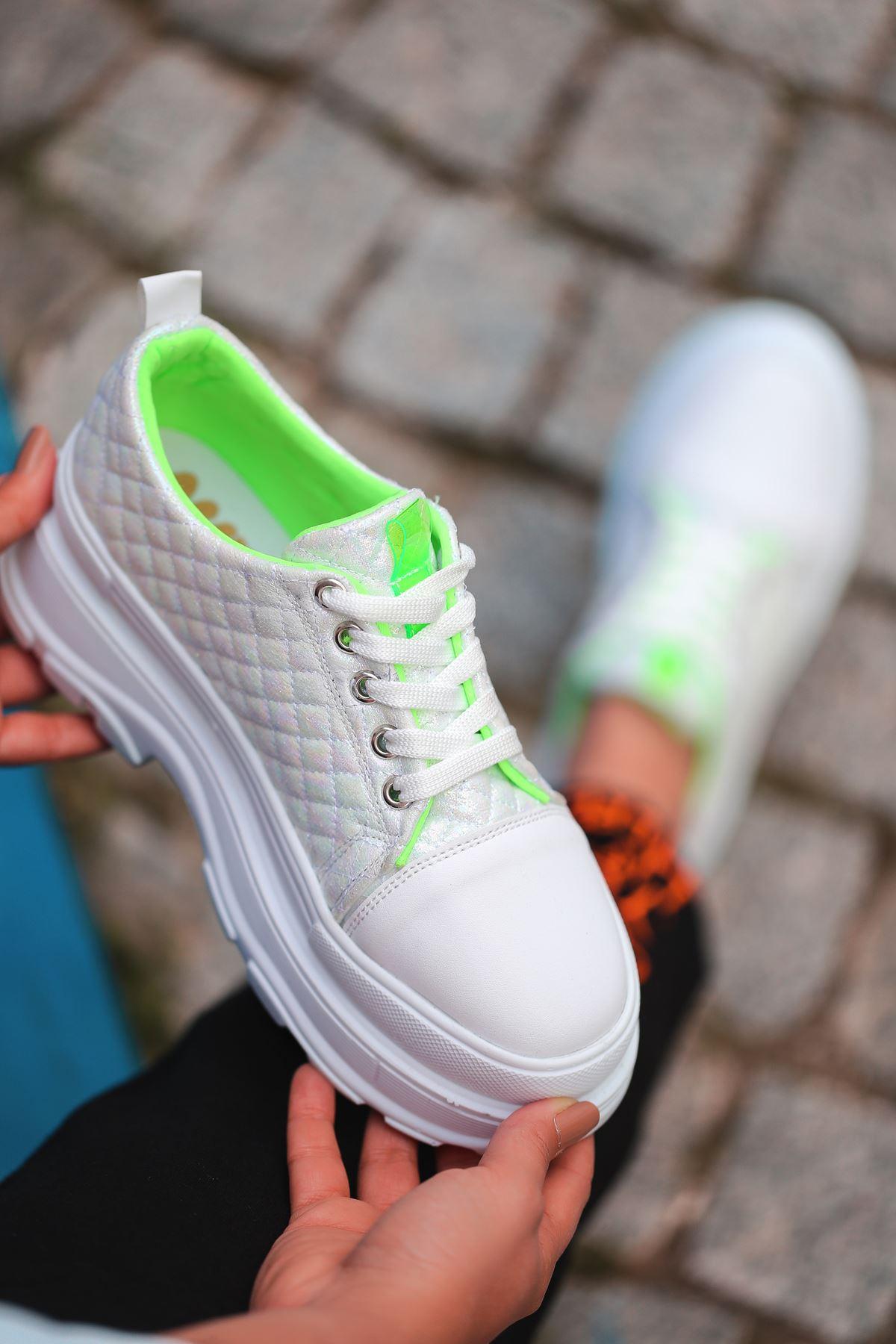 Combo Bağcık Detaylı Beyaz Simli Kapitone Kadın Spor Ayakkabı