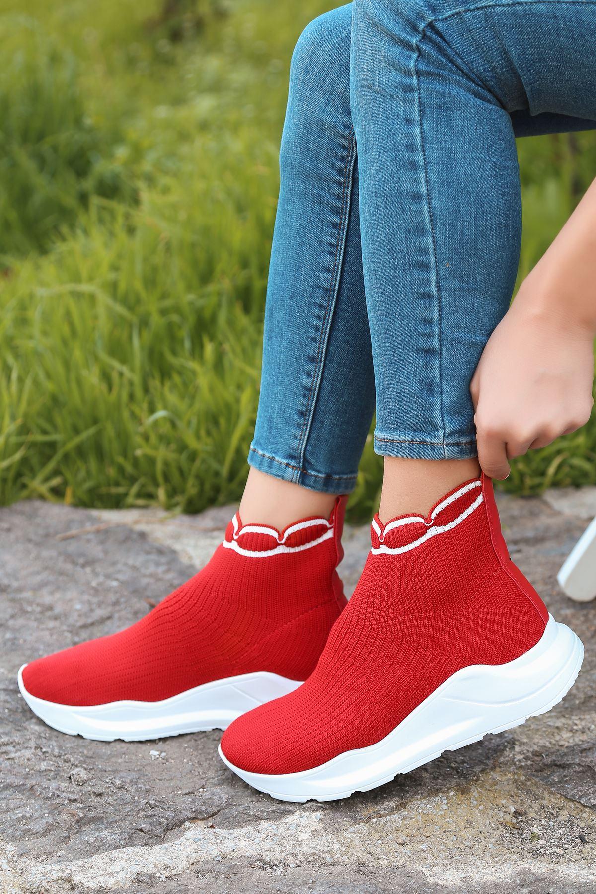 Genti Beyaz Şerit Detaylı Kırmızı Kadın Triko Uzun Spor