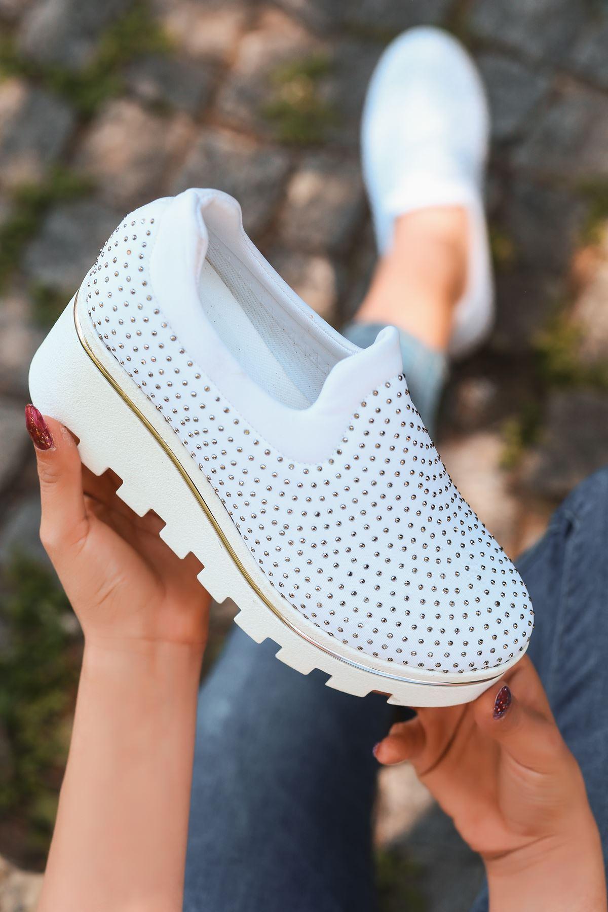 Bratz Taş Detay Dolgu Topuk Ayakkabı Beyaz