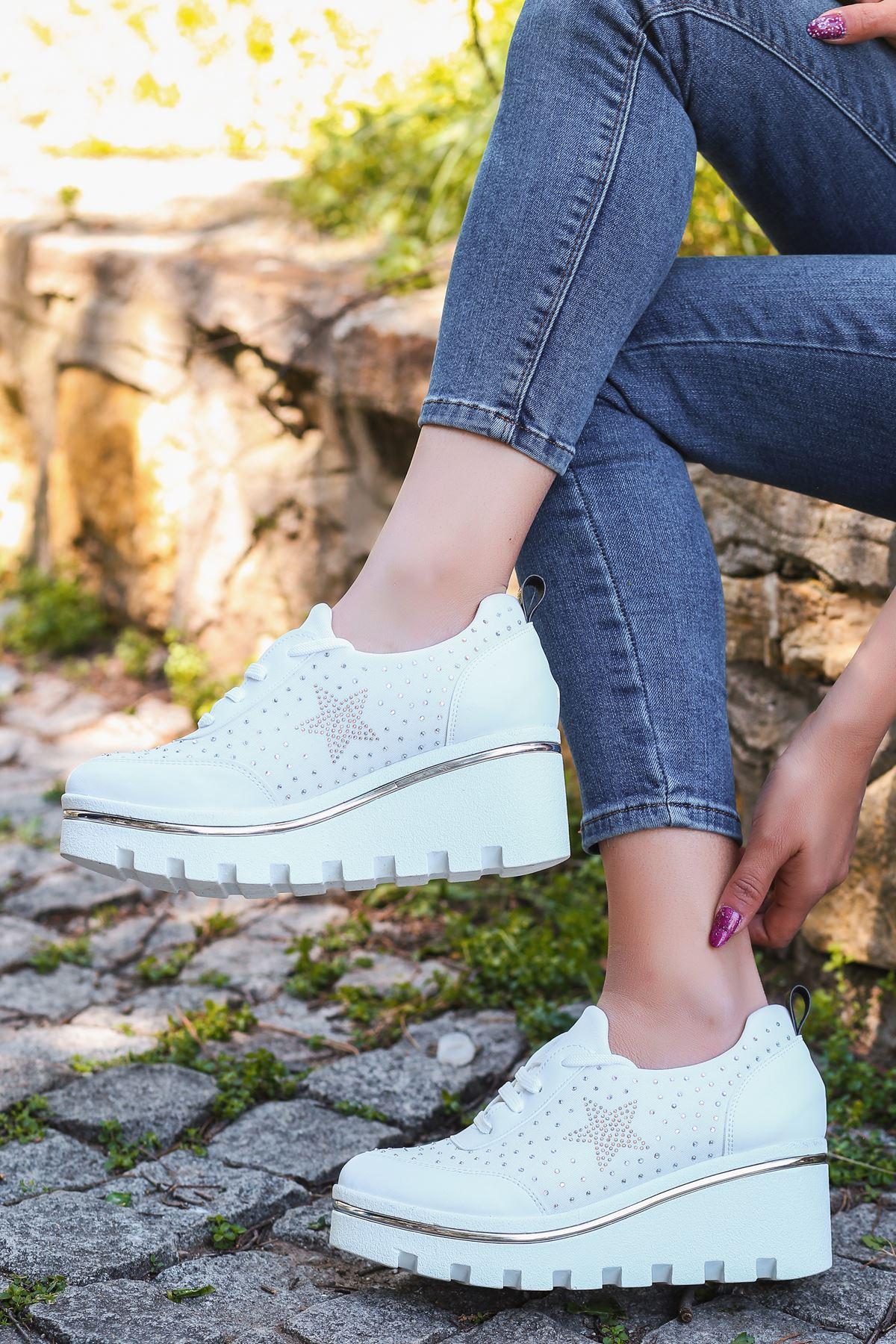 Wassa Dalgıç Kumaş Taş Detay Dolgu Topuk Ayakkabı Beyaz