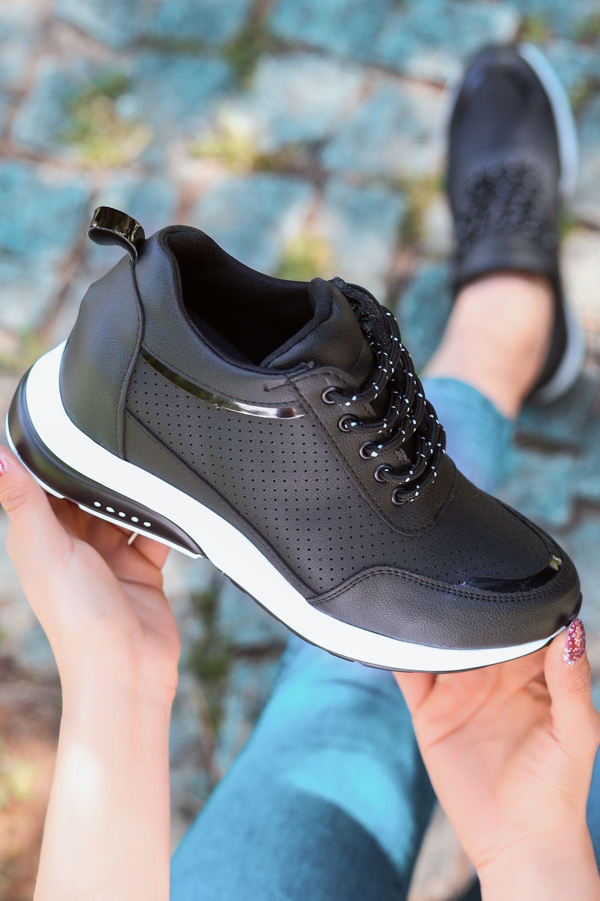 For514 Delikli Siyah Bağcık Detaylı Kadın Spor Ayakkabı
