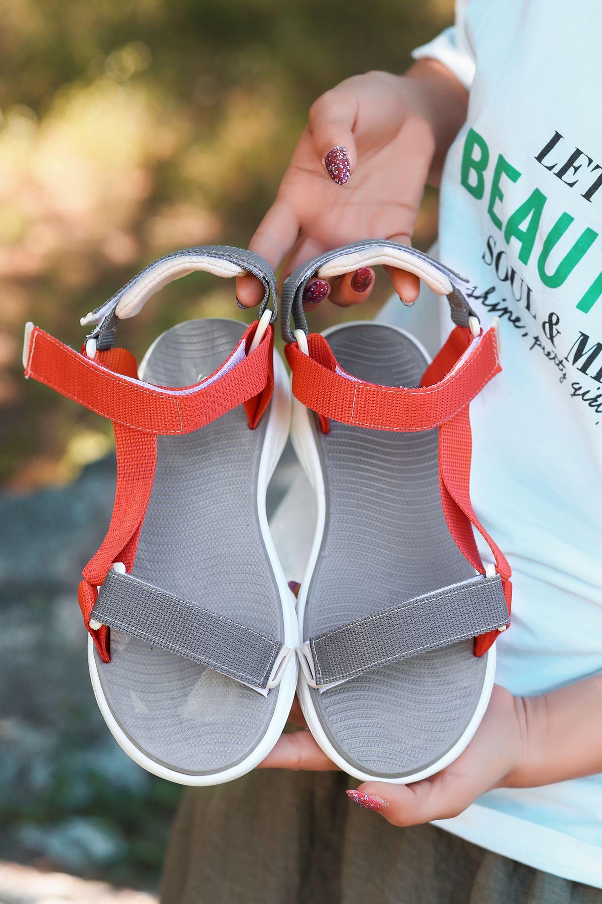 King Gri Turuncu Cırtlı Kadın Sandalet