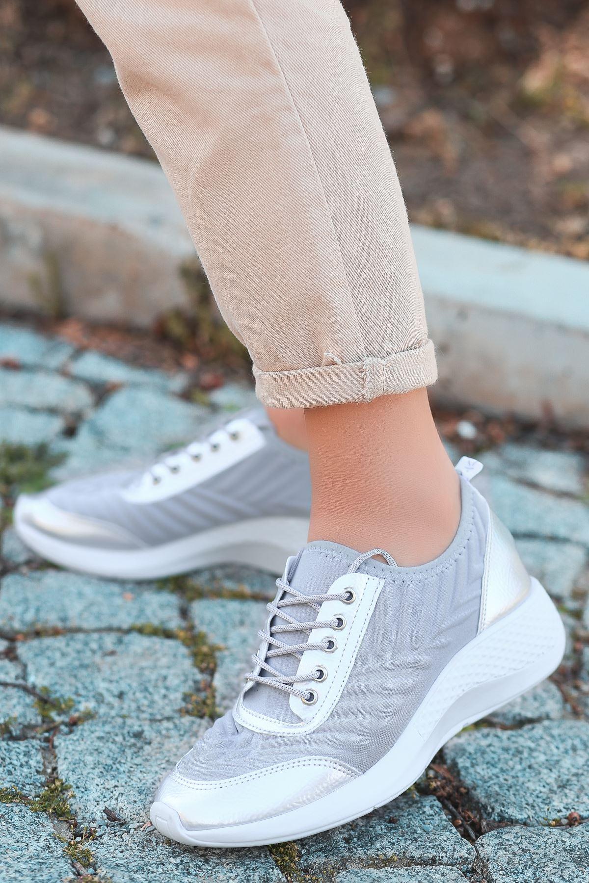 Otuzbes 2022 Kabartma Baskılı Günlük Spor Gri Kadın Spor Ayakkabı