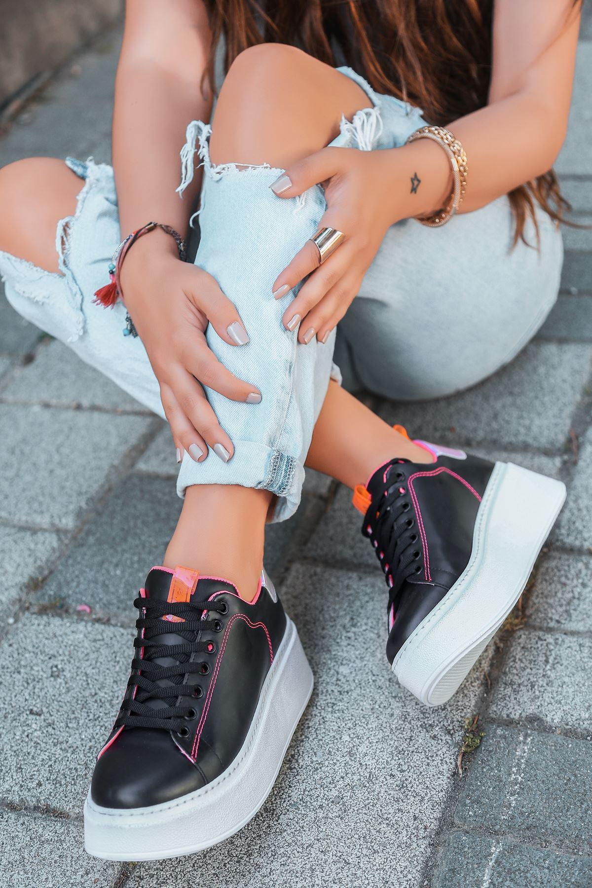 Masella Mat Deri Pembe Hologram Detay Kalın Taban Spor Ayakkabı Siyah