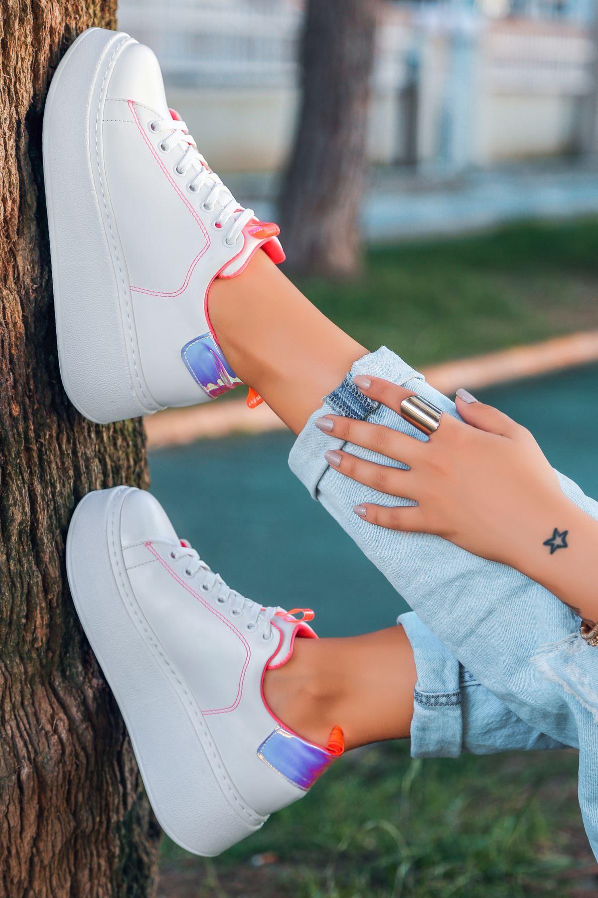 Masella Mat Deri Pembe Hologram Detay Kalın Taban Spor Ayakkabı Beyaz