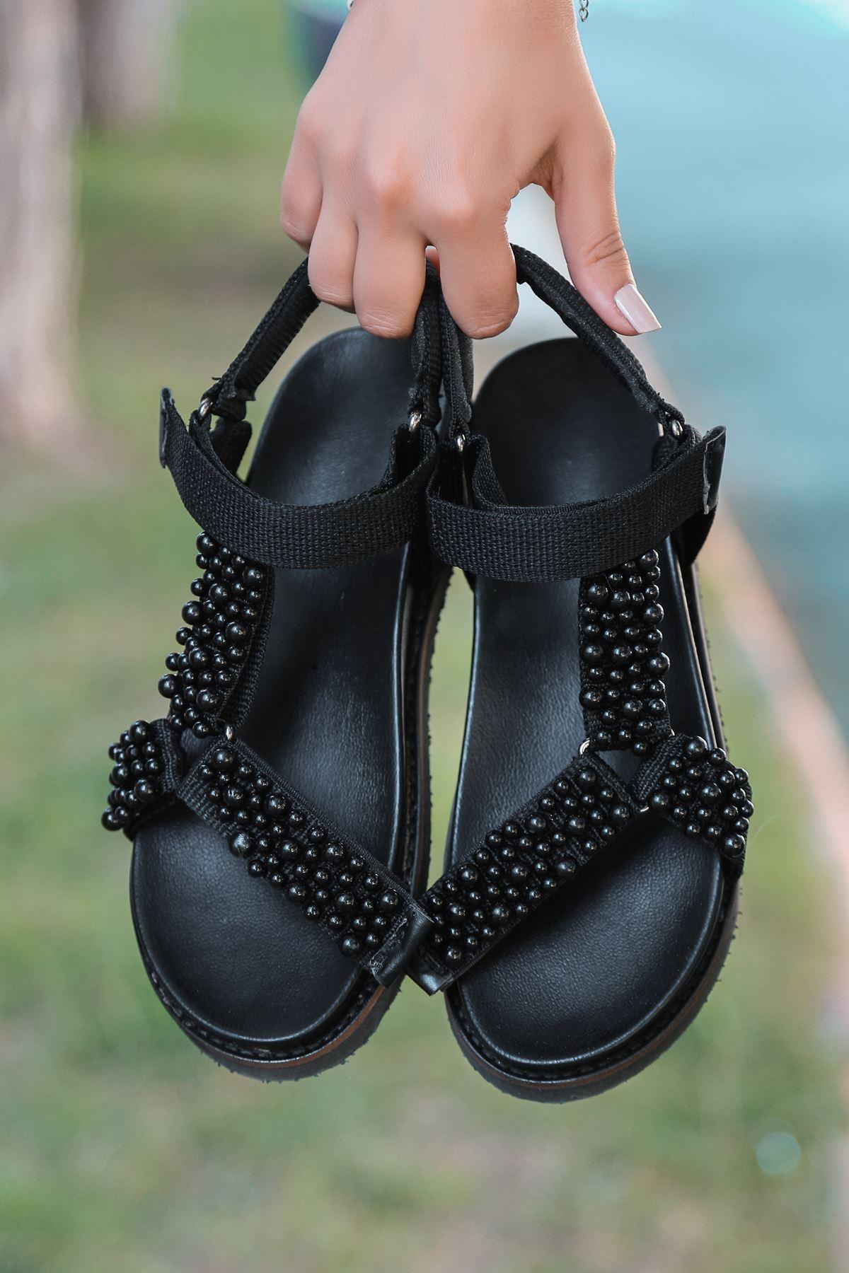 Dovina İnci Detaylı Triko Siyah Kadın Sandalet