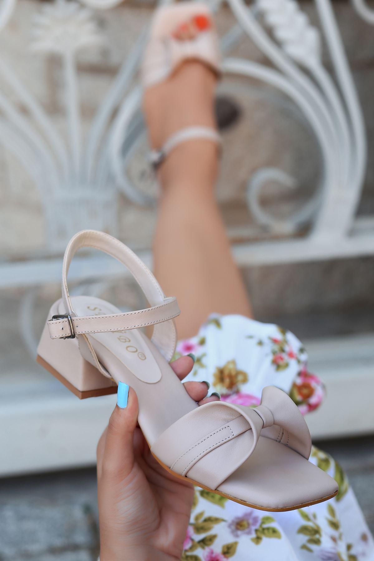 Minna Fiyonk Detaylı Ten Kadın Topuklu Sandalet