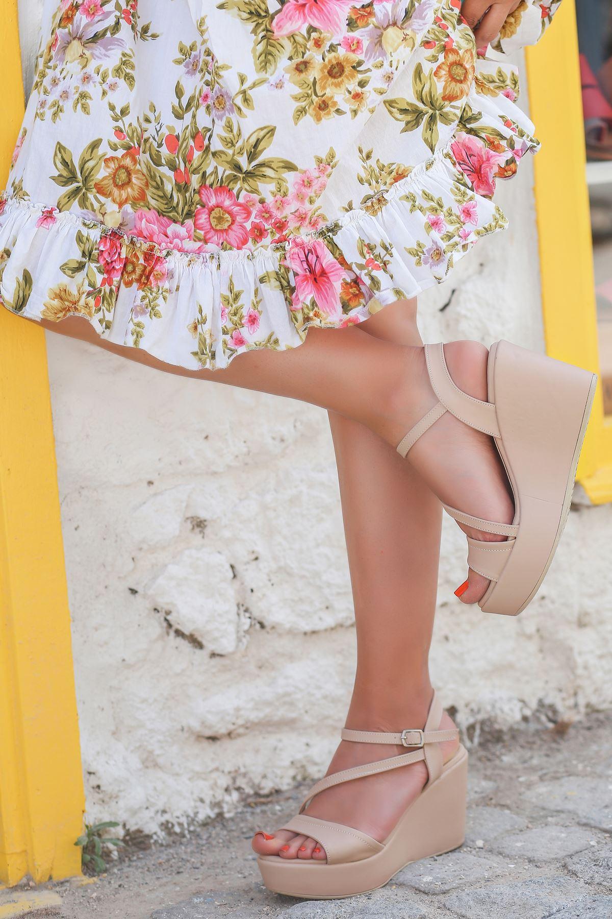 İrna İnce Bant Ten Kadın Dolgu Topuklu Ayakkabı