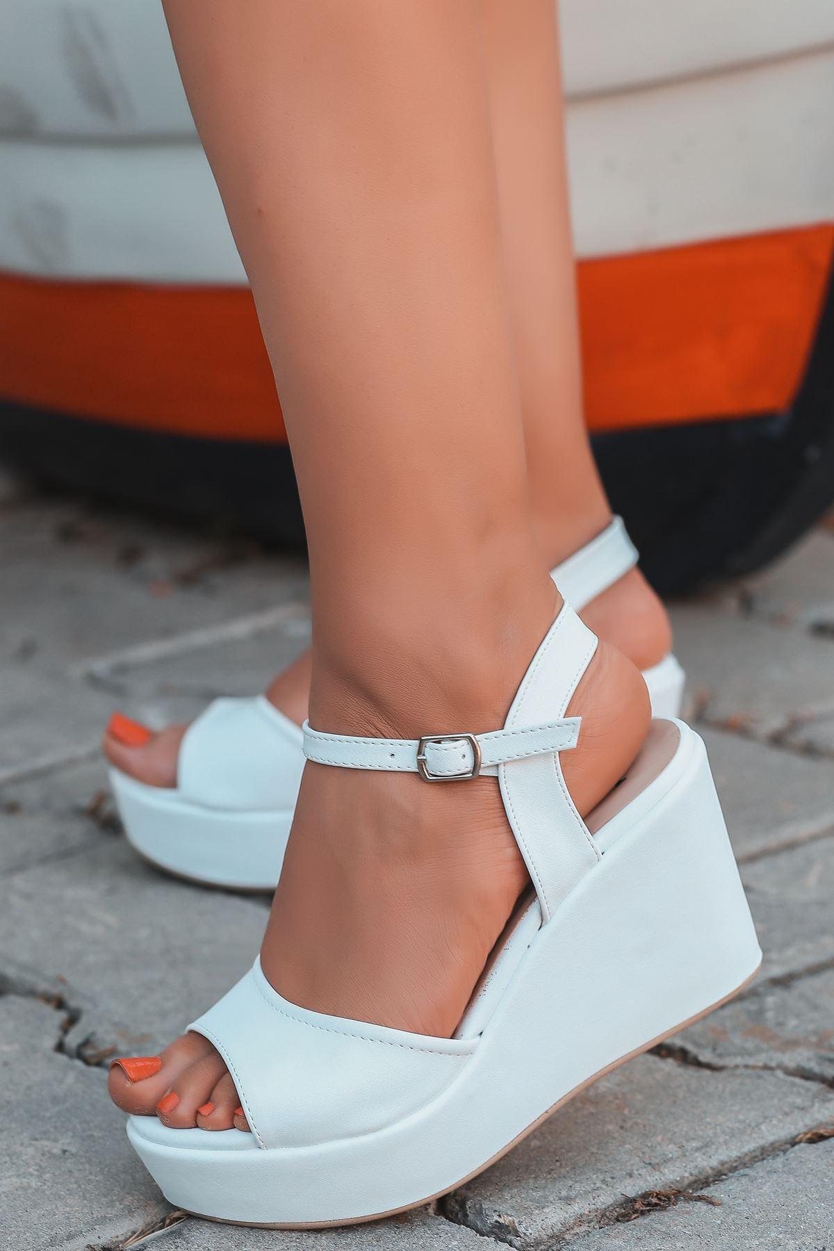 Fulya Mat Deri Beyaz Dolgu Topuk Kadın Ayakkabı