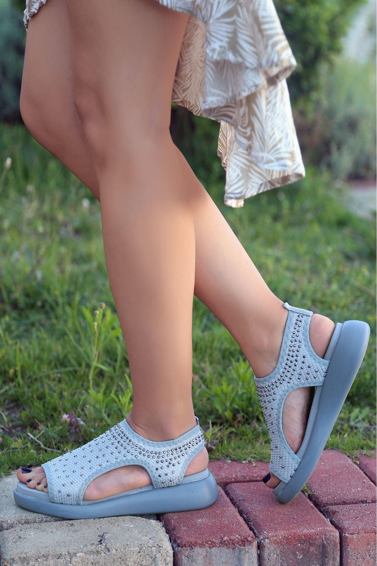 Merne Taş Detaylı Triko Gri Kadın Sandalet